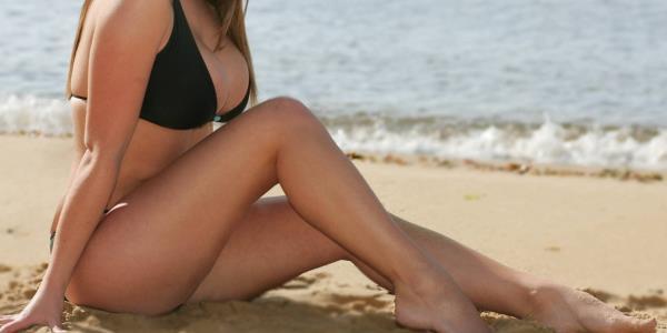 hot bikini babe on beach
